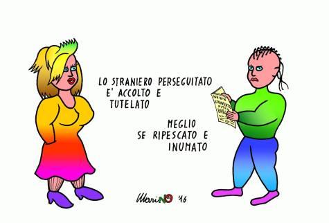 I nostri vignettisti sembrano tutti molto colpiti dalla distanza che c'è tra la chiarezza delle parole (in questo caso delle parole del dettato Costituzionale) e la contraddittorietà, per non dir peggio, dei fatti. Così Marino Tarizzo.